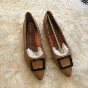 Rockport Nude Flats, size 6.5